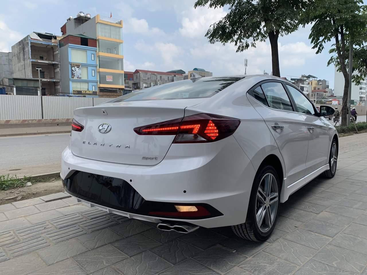 Hyundai Elantra 2.0 AT Facelist