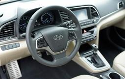 Nội thất hiện đại của Hyundai Elantra 2018