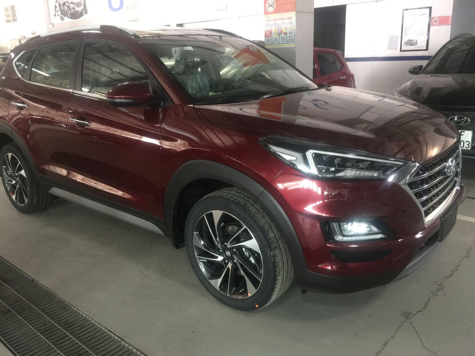 Hyundai Tucson 2.0 xăng đặc biệt Facelist