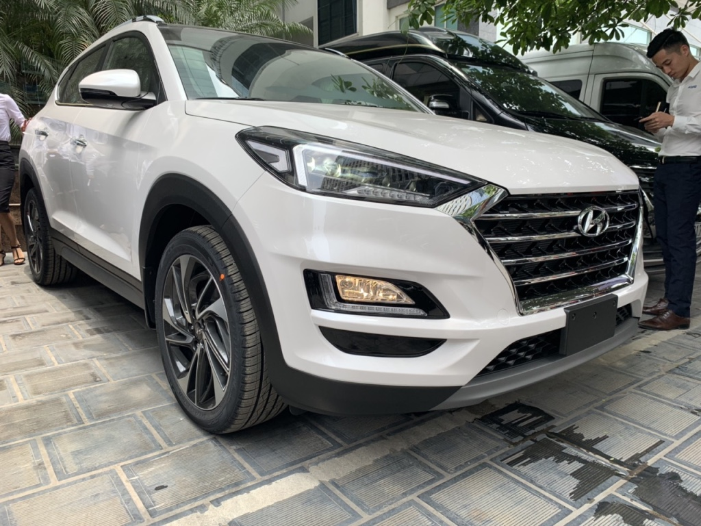 Hyundai Tucson 2.0 xăng thường  bản mới